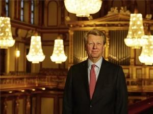 维也纳音乐之友协会负责人托马斯·昂格扬博士(Dr. Thomas Angyan)